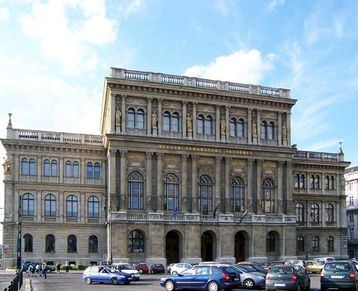 Magyar Tudományos Akadémia (fotó: Wikipedia)