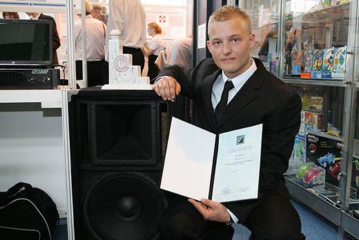 Papp Gergely az Ifjúsági Tudományos és Innovációs Tehetségkutató Versenyen (fotó: Innoportal.hu)