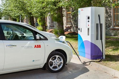 Az ABB gyorstöltő állomása (fotó: ABB.hu)