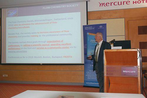 Darvas Ferenc, a Flow Chemistey Society elnöke