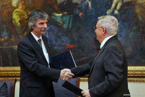Szuperszámítógép-központról született megállapodás a Debreceni Egyetemen (fotó: Unideb.hu)