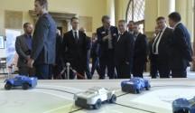 Orbán Viktor; Varga Mihály; Józsa János -- autóipar -- kormány -- konferencia (fotó: MTI)