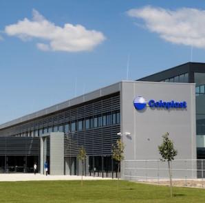 Negyedik gyárcsarnokát avatta fel Tatabányán a dán Coloplast